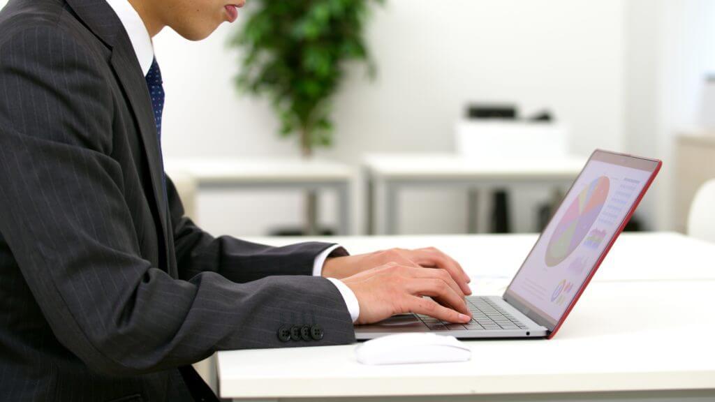 42歳 男性 会社員 IT企業の経理職の事例【退職代行体験談】